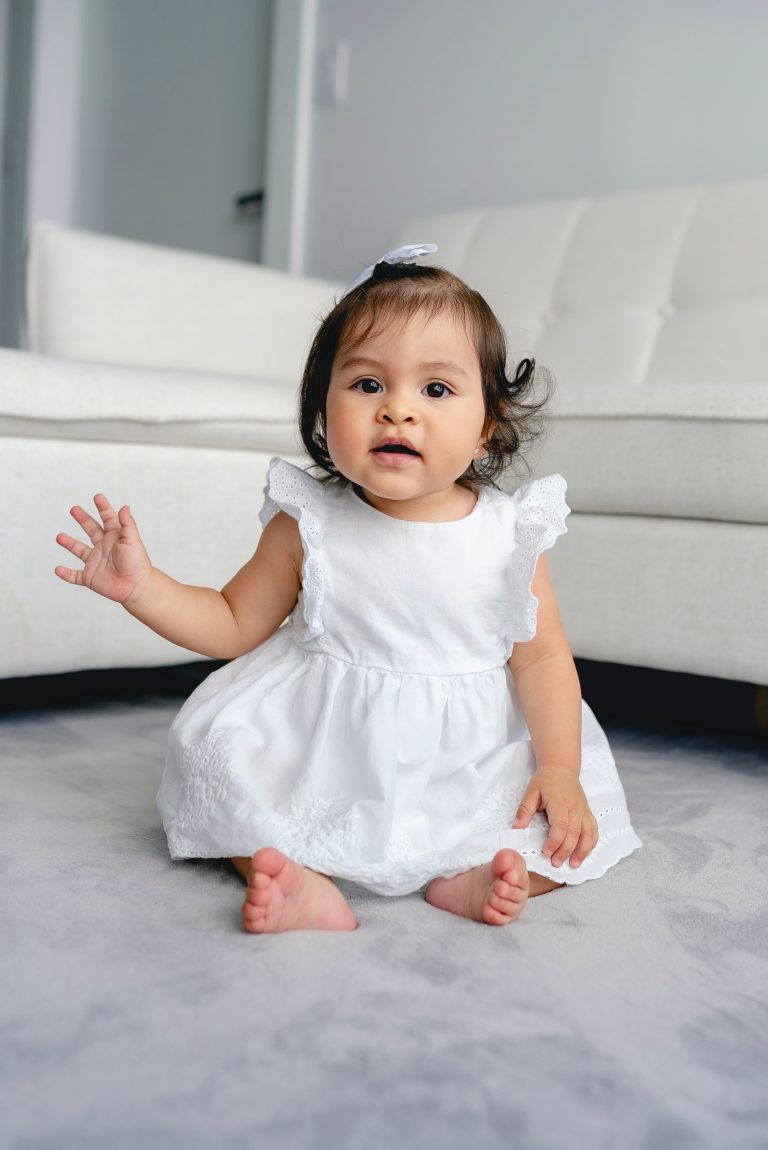 4-Month-Old Baby Uses The Left Hand More Than The Right